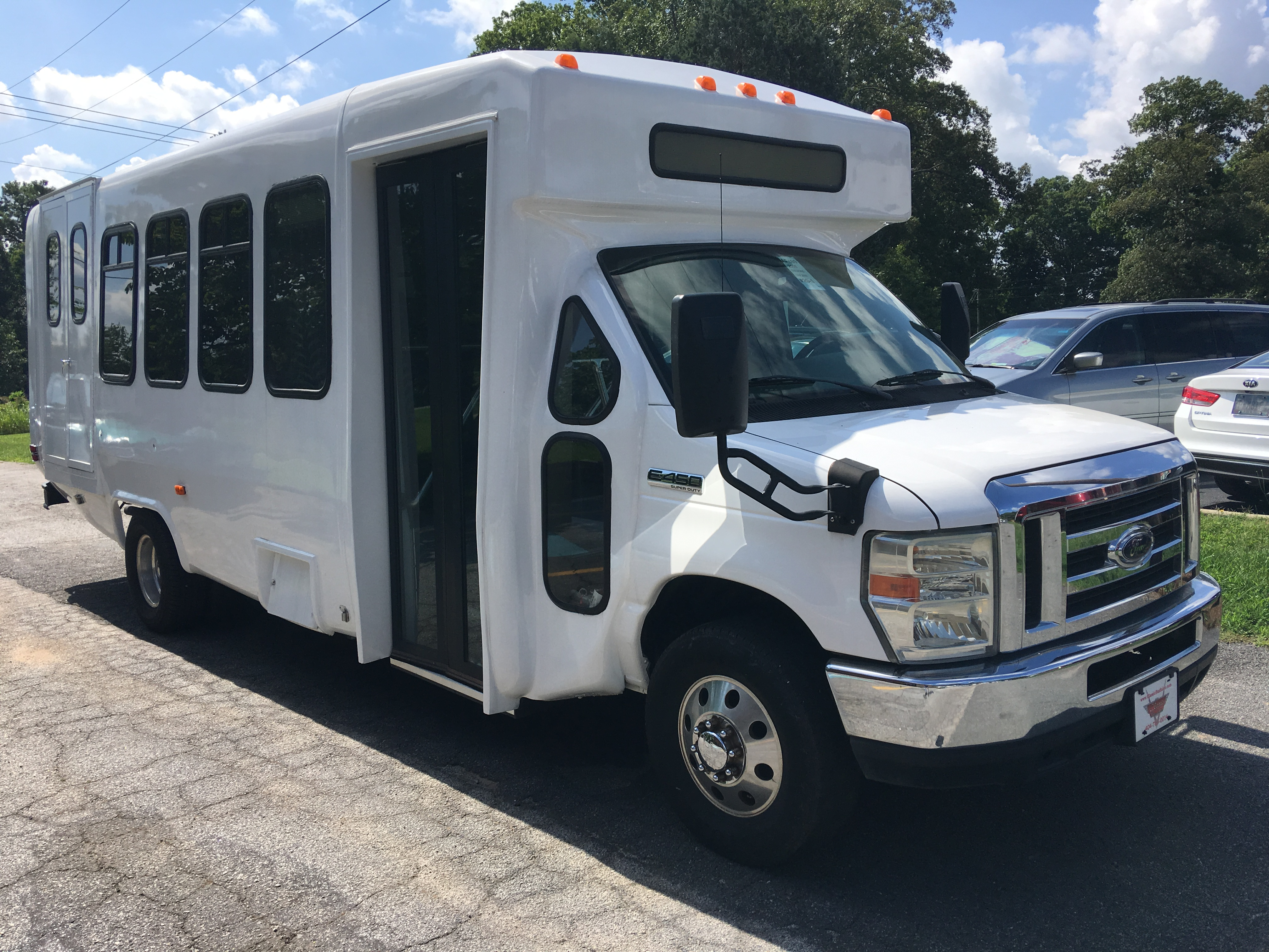 2008 Diamond Coach - #AF489 - Classic Bus Sales - Used Buses for
